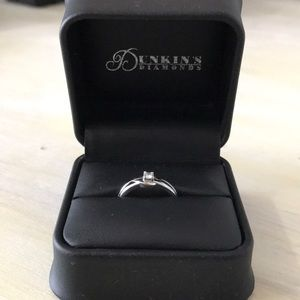Jewelry - Silver Dainty Diamond Ring